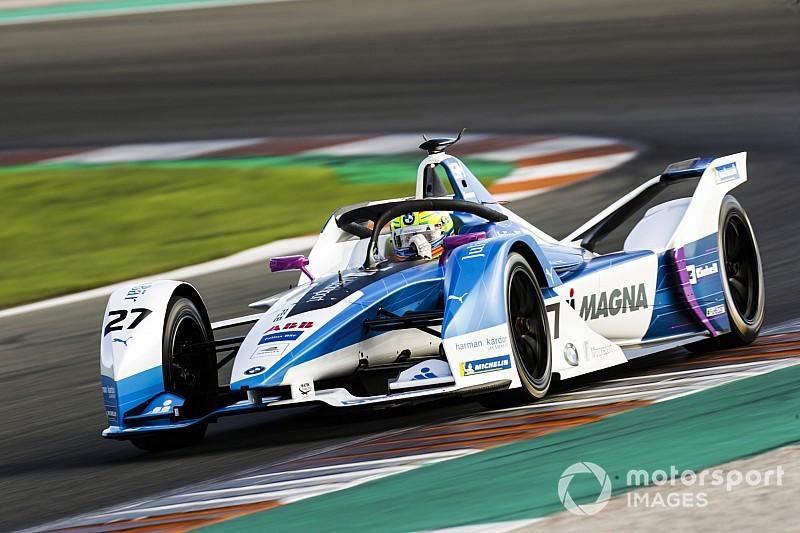 Sims se estrena en Fórmula E liderando el primer día de pretemporada en Valencia
