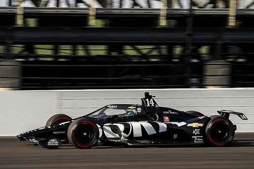 """Refresher"" Bourdais sets fastest speed in Indy 500 testing"