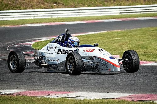 F1600 - Schraenen takes two wins, Ritter one