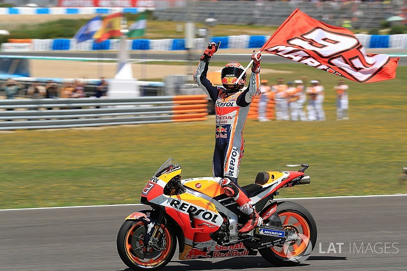 MotoGP Spanyol: Kemenangan Marquez dan insiden Honda-Ducati