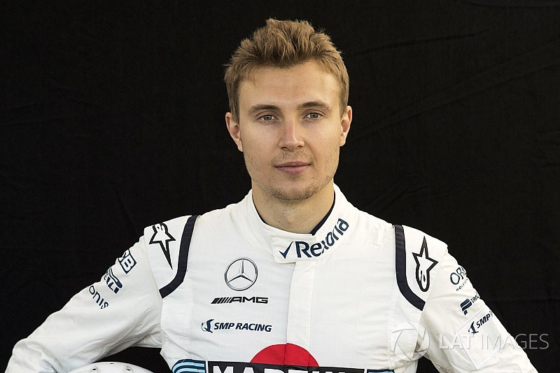 Студийные фото: все гонщики Формулы 1 нового сезона