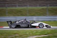 Vidales, suma y sigue: tres de tres podios en la Renault Eurocup