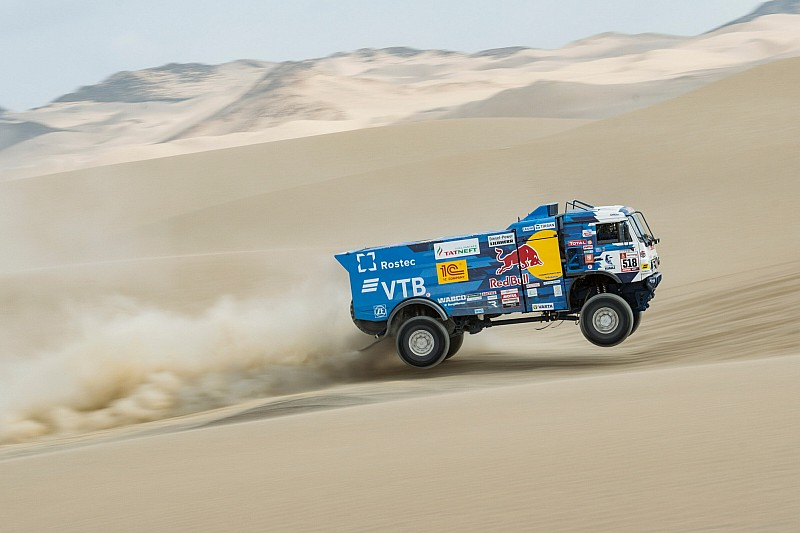 Dakar, Camion, Tappa 3: Karginov prende il volo, problemi per De Rooy