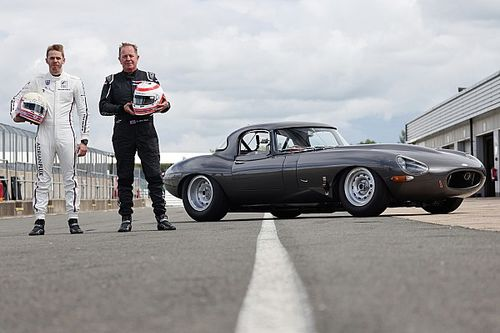 Martin and Alex Brundle team up for Jaguar E-type race at Silverstone