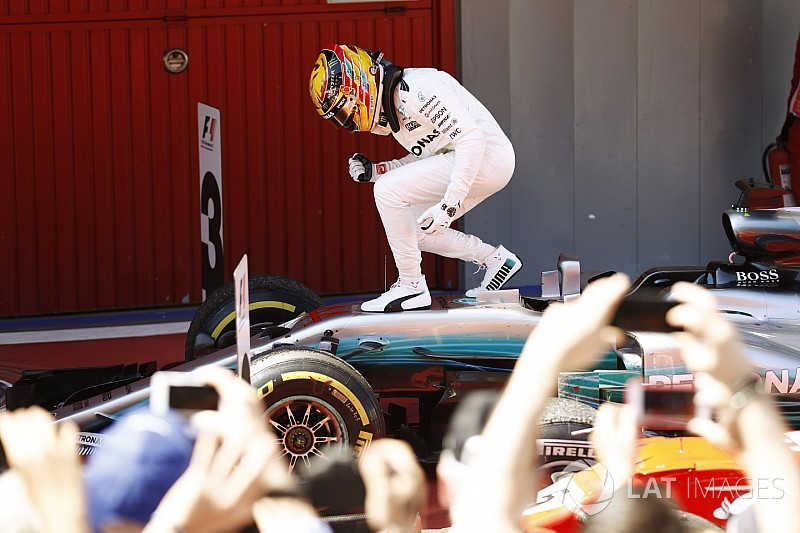 Spanish GP: Hamilton beats Vettel in terrific duel