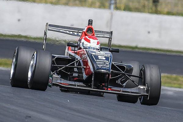 Other open wheel Manfeild TRS: Piquet wins red-flagged Race 1