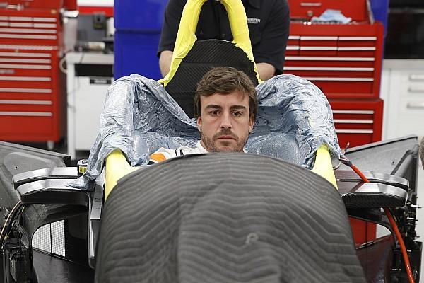IndyCar I più cliccati Fotogallery: Alonso fa il sedile per la 500 Miglia di Indianapolis