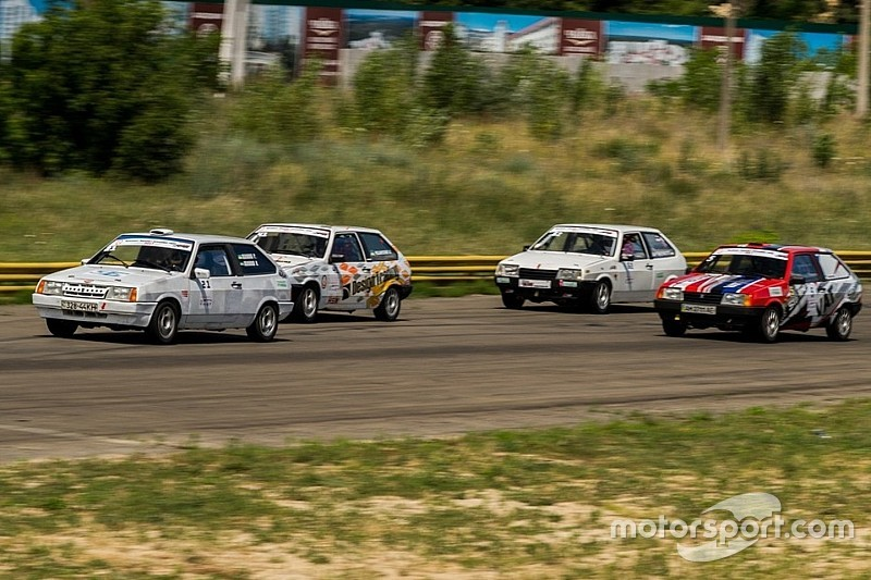 Чемпіонат України з кільцевих гонок: Попереду передостанній поворот!