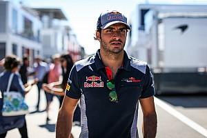 Carlos Sainz niega intención de romper con Red Bull en 2018