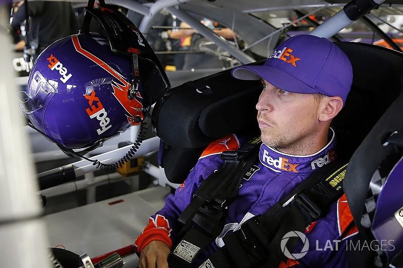 Denny Hamlin lidera la primera práctica en Indianápolis