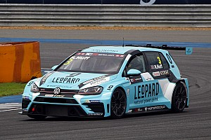 TCR Qualifying report Rob Huff claims pole ahead of teammate Vernay