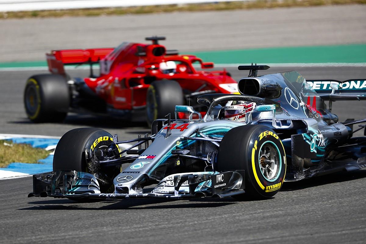 Hamilton komt met oproep aan media: Toon meer respect voor Vettel