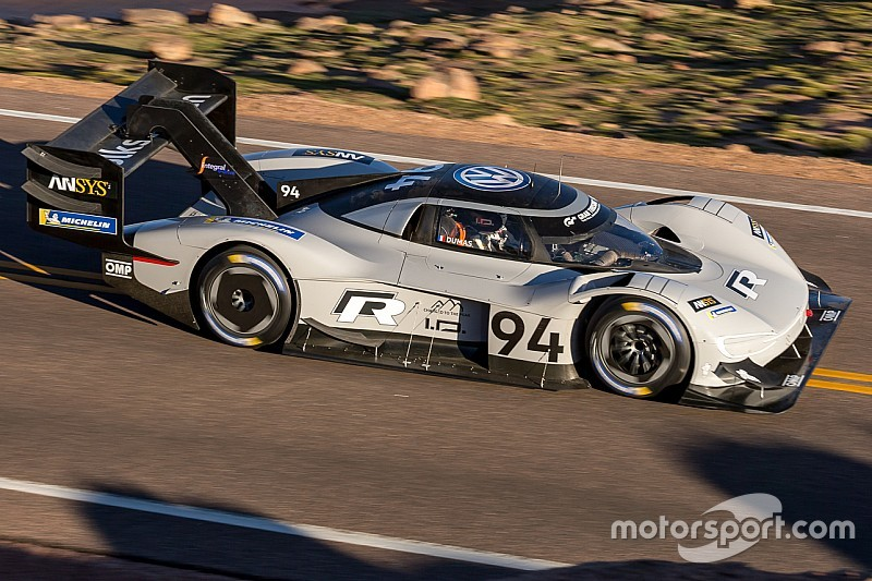 Dumas sets Pikes Peak qualifying pace in electric VW