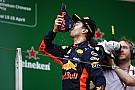 """Ricciardo: """"Ware beloning voor harde werk van monteurs"""""""