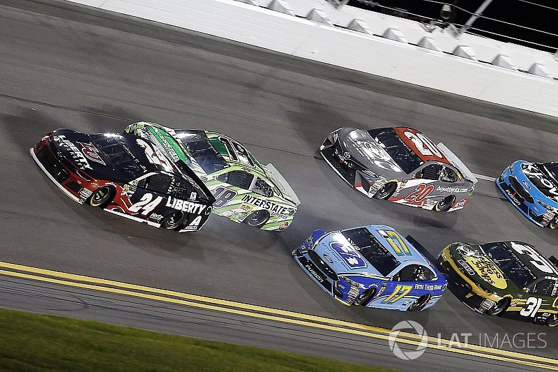 """Stenhouse: """"I was frustrated with myself causing crashes like that"""""""