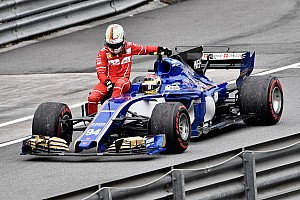 Formel 1 Fotostrecke Bildergalerie: Formel-1-Huckepack mit Vettel und Wehrlein