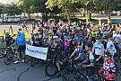 NASCAR Cup Für Nicky Hayden: Jimmie Johnson organisiert 69-Meilen-Radtour