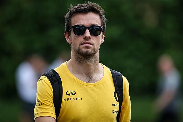Палмер узнал о контракте Сайнса с Renault из интернета