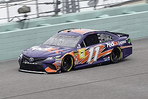 Hamlin takes Homestead pole, Kyle Busch leads title contenders