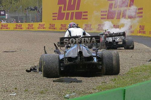 Вильнев обвинил Боттаса в аварии: Он просто слишком медленный