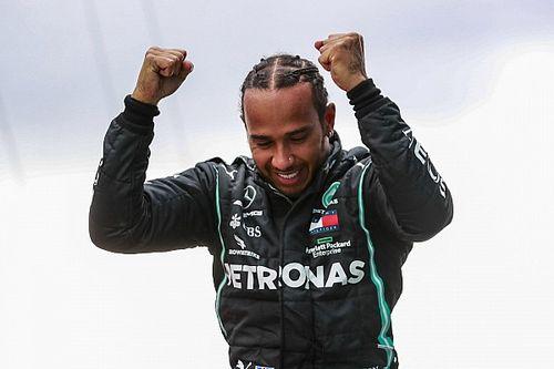 Report F1: dalla firma di Hamilton all'inedito motore Ferrari 2022