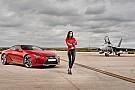 Spaans topmodel maakt vliegveld onveilig in Lexus LC 500