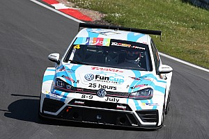 TCR Benelux Raceverslag TCR Benelux: Lemeret en Altoè winnen eerste twee races