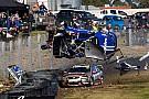 Supercars Bildergalerie: Hazelwood crasht mit 260 km/h in Sandown