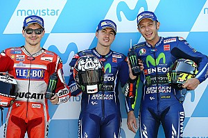 Pole de Viñales y heroicidad de Rossi en Aragón