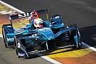 Formula E Un accidente en la polémica chicane de Cheste protagoniza el último test de Fórmula E