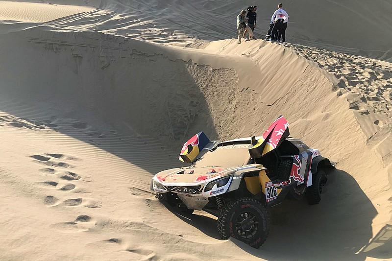dakar 2018 stage 5 loeb out as peterhansel extends lead. Black Bedroom Furniture Sets. Home Design Ideas