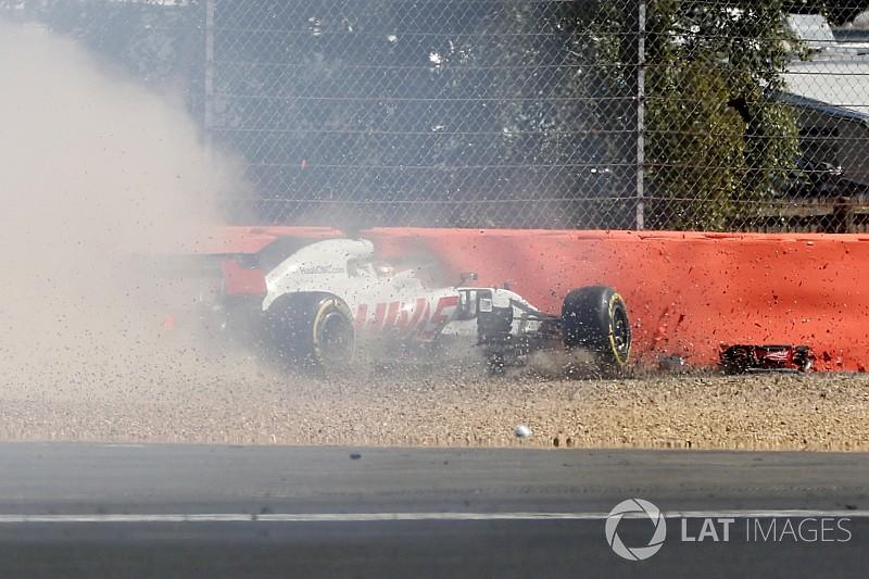 Grosjean se pierde la segunda práctica tras su accidente con el DRS