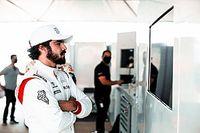 """Caio Castro busca aprendizado na Porsche, mas crava: """"Agora não tem volta, vamos para cima"""""""