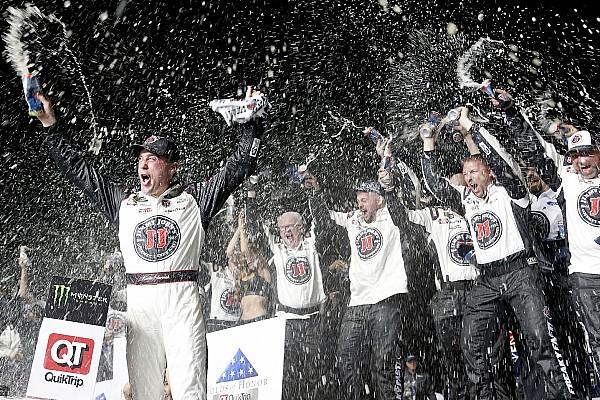 Monster Energy NASCAR Cup Race report NASCAR Cup Series: Harvick menang dominan di Atlanta
