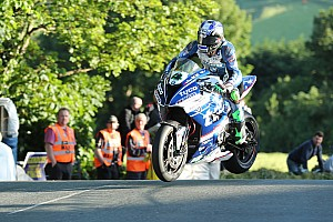 Road racing Qualifiche Tourist Trophy 2017, Ian Hutchinson e la Paton protagonisti della prima sessione di qualifiche