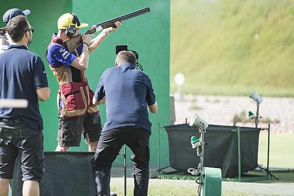 Rossi y Al-Attiyah practican el tiro en Qatar