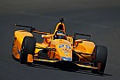 Alonso, en el top 20 en sus primeros libres de la Indy 500; Servià 11º