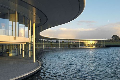 McLaren agrees £170m sale and leaseback of F1 factory