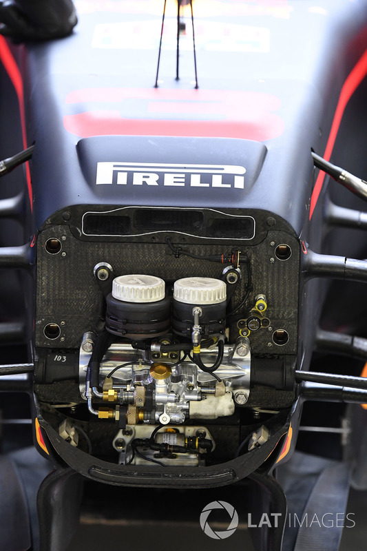 Red Bull RB13: Chassis