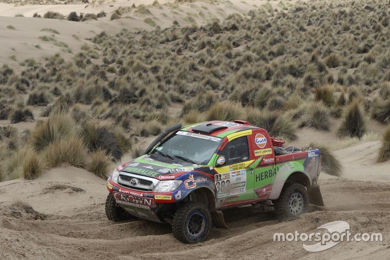 #383 Toyota: Eduardo Peredo, Eugenio Arrieta