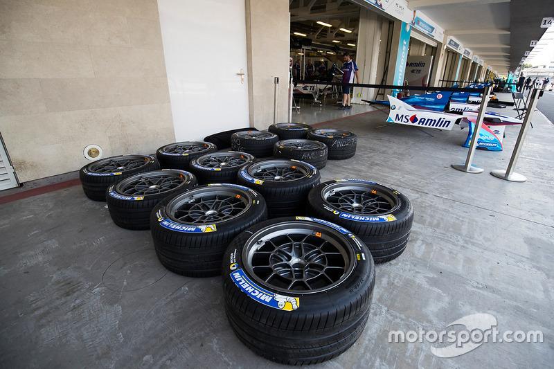 Llantas afuera del Amlin Andretti Formula E Team
