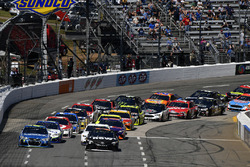 Restart: Martin Truex Jr., Furniture Row Racing, Toyota; Denny Hamlin, Joe Gibbs Racing, Toyota; Jimmie Johnson, Hendrick Motorsports, Chevrolet