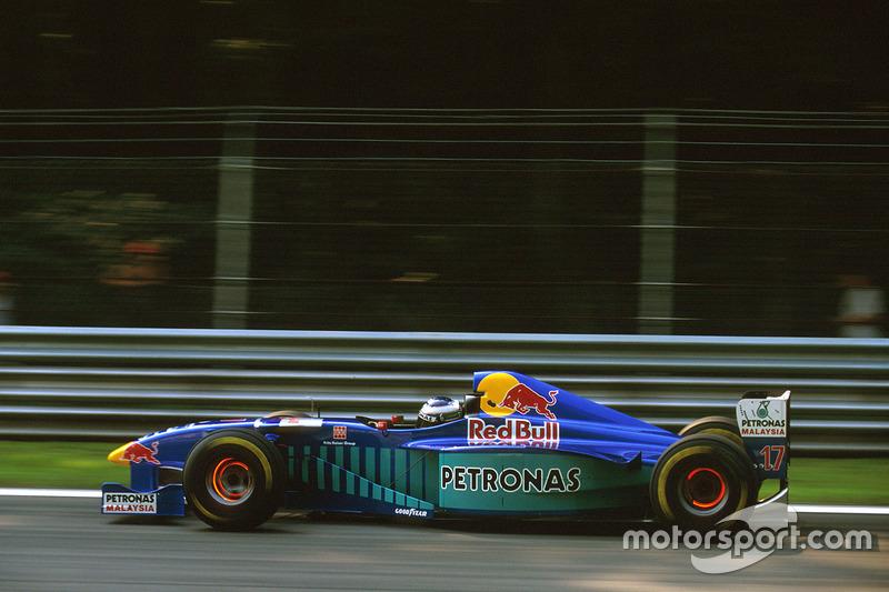 #17 : Gianni Morbidelli, Sauber C16