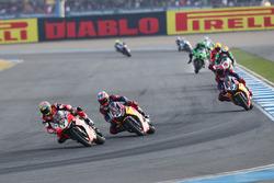 Chaz Davies, Ducati Team; Nicky Hayden, Honda World Superbike Team
