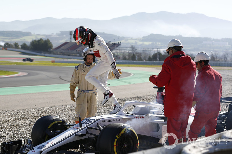 Charles Leclerc, Alfa Romeo Sauber C37 se crashe