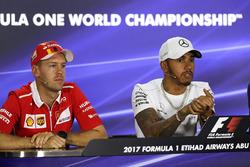 Sebastian Vettel, Ferrari ve Lewis Hamilton, Mercedes AMG F1 basın sorumlusu