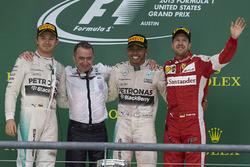Podium: 1. Lewis Hamilton, Mercedes; 2. Nico Rosberg, Mercedes; 3. Sebastian Vettel, Ferrari