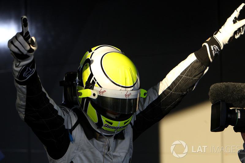 Yarış galibi Jenson Button, Brawn Grand Prix, parc ferme