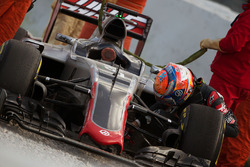 Romain Grosjean, Haas F1 Team VF-16 in the gravel trap