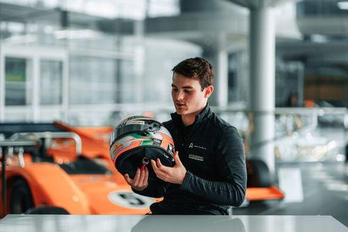 Pato O'Ward en visite chez McLaren